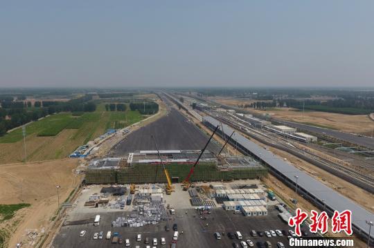 北京大兴机场高速6月底建成采用融冰雪路面技术