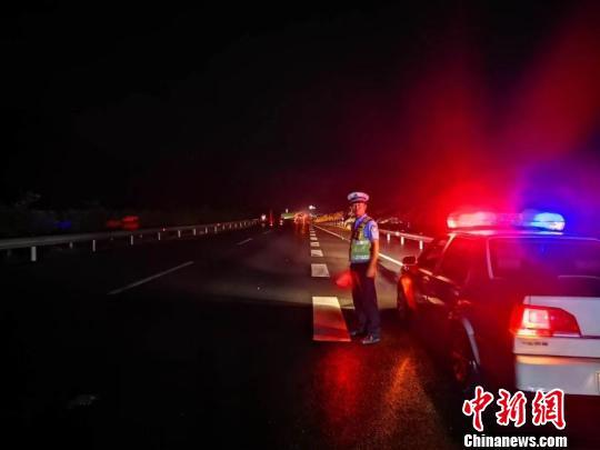 四川宜宾长宁地震:通往震中的救灾通道已全部打通