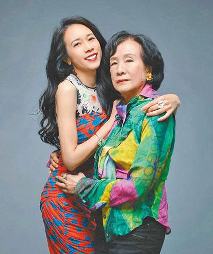 莫文蔚新加坡辦演唱會 80歲老母親現身成驚喜