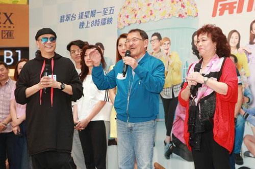 劉愷威父親透露小糯米近況 親手為爺爺准備卡片