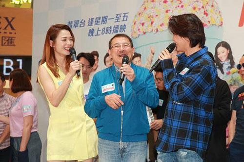 刘恺威父亲透露小糯米近况 亲手为爷爷准备卡片
