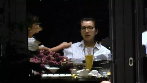 陳好帶倆女兒聚餐 親吻的神秘男孩疑似其三胎兒子