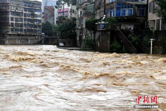 强降雨持续 闽西苏溪河水位上涨