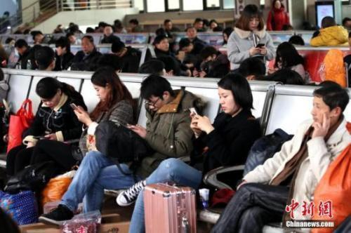 新媒体蓝皮书:热点事件中网络新兴媒介逐步提高声量
