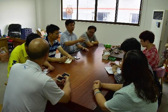 玉林市玉州区人大常委会副主任梁海波进行安全生产工作执法检查