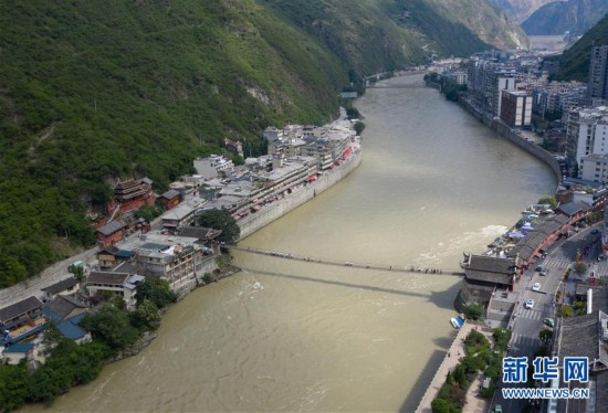 (图片故事)(1)穿越历史的桥梁 见证川藏线变迁