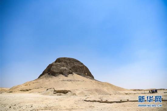 (国际)(1)埃及4000年历史的金字塔正式向游客开放