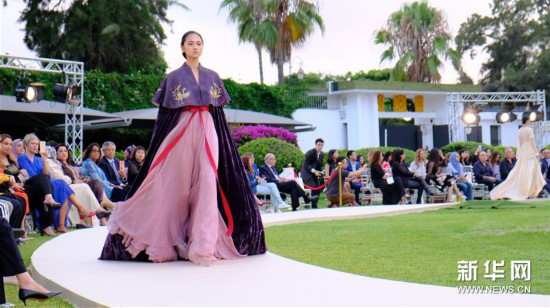 (国际)(2)中摩时装秀在摩洛哥举行