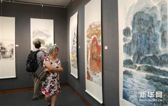 (图文互行)(2)港深书画名家联展祝贺香港回归故国22周年