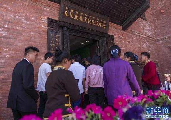 (专发新华网西藏频道)庆祝建党98周年 红色主题教育展在拉萨拉开帷幕(5)