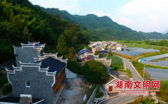 湖南武陵源区:旅游+志愿构筑5A级景区