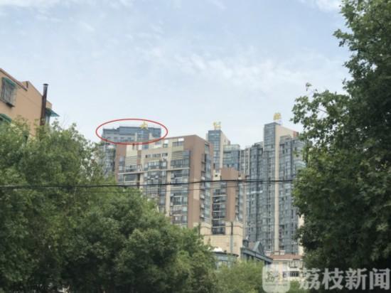 """南京鼓楼现""""最牛""""违建 被投诉10年拆不掉"""