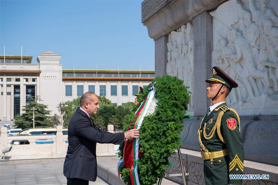 CHINA-BEIJING-BULGARIAN PRESIDENT-MONUMENT-TRIBUTE (CN)
