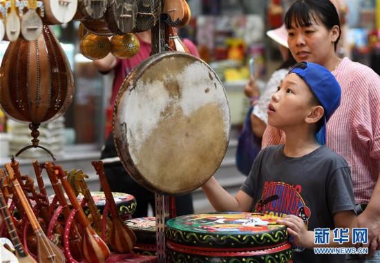(社會)(1)烏魯木齊:大巴扎景區迎來旅游旺季