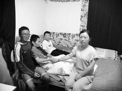 南京溧水村民照料瘫痪养母不离不弃获点赞