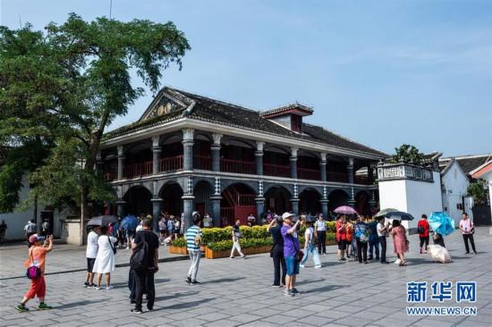 (社会)(5)贵州遵义:红色旅游迎客来
