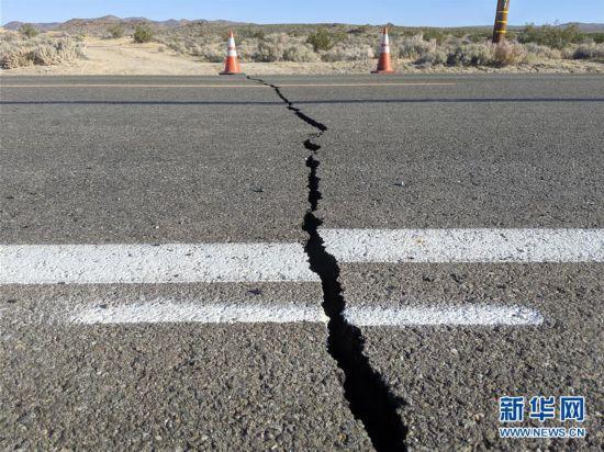 (国际)(1)美国加州强震过后余震频繁 震中地区进入紧急状态