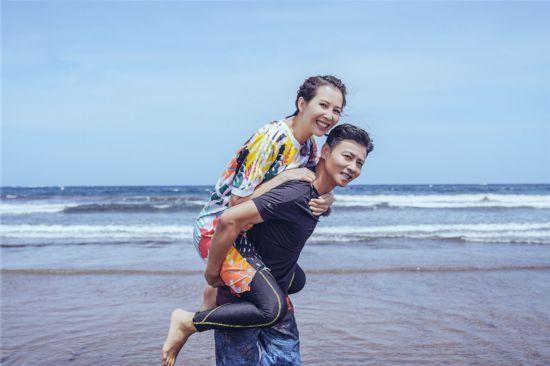 《我最爱的女人们》张晋被赞全能老公蔡少芬孕肚明显