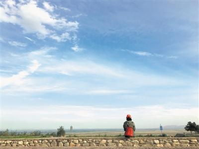 <p>  人生總有那麼一些時候,想找一處地方,什麼也不做,什麼也不想,就安靜地坐著,看著遼闊的遠方。</p>