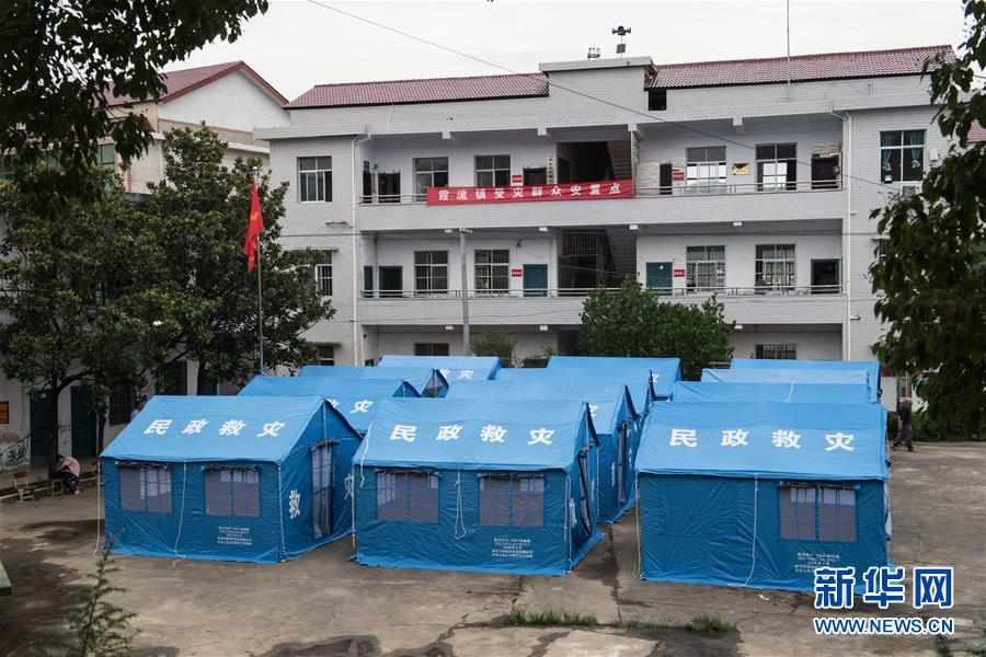 (社会)(1)走进湖南衡东霞流镇安置点