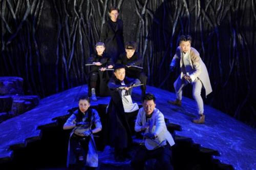 繁星戏剧舞台剧《狼》经典再现七匹狼夏日集结热血归来