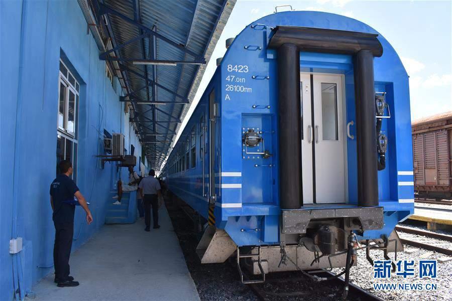 (国际・图文互动)(1)中国列车在古巴正式运行
