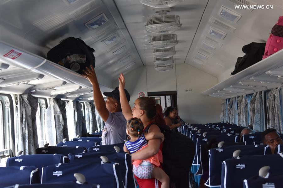 CUBA-HAVANA-RAILWAY-CHINESE WAGONS-OPERATION