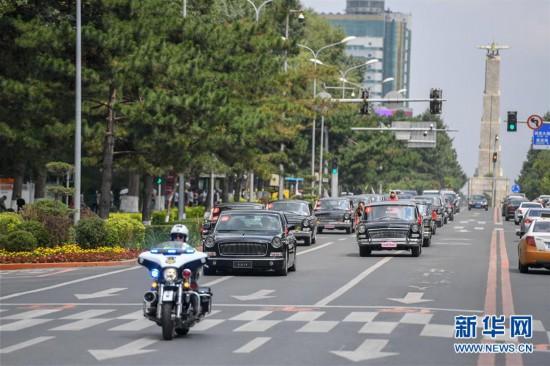 (社会)(1)长春举行致敬红旗经典车文化巡礼