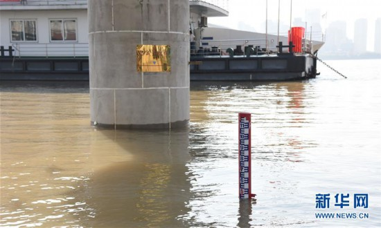 (社会)(1)长江干流湖北段水位持续上涨
