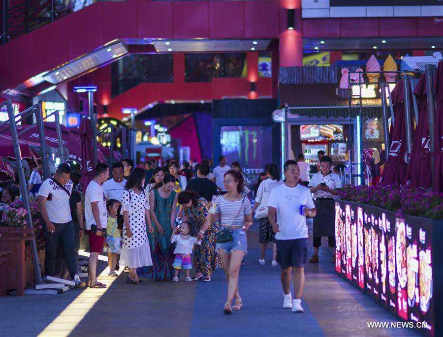 CHINA-XINJIANG-URUMQI-NIGHT-ECONOMY (CN)