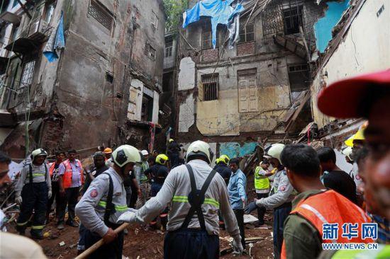 (国际)(1)印度孟买楼房坍塌事故遇难人数升至14人
