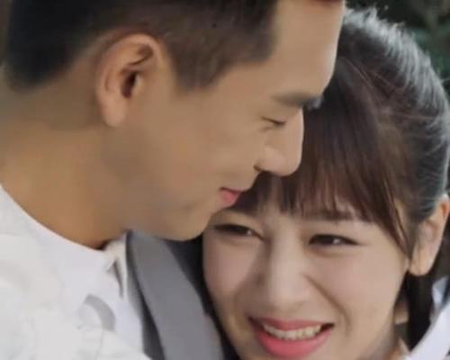 亲爱的热爱的结局:韩商言夺冠,登台向佟年求婚,台下齐呼嫁给他