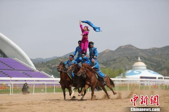 """第十一届全国少数民族传统体育运动会马上项目比拼激烈各地选手""""炫技"""""""