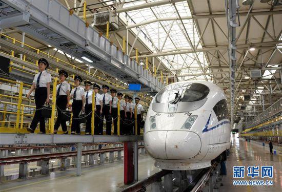 国内铁路将迎来首批女动车组司机 选拔培训工作进行中