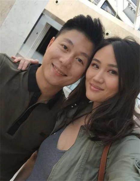 38岁李小鹏晒照秀肌肉 网友:以为怀3胎了!