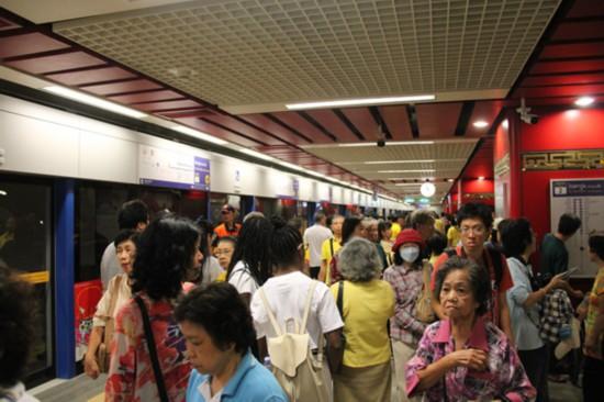 泰国曼谷地铁?#26029;哐由?#27573;开放免费试乘