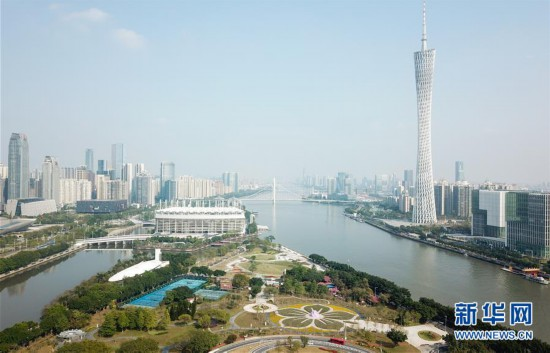 """一路向海 """"湾顶""""谋变――新中国成立70年广州发展侧记"""