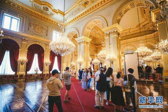 比利时王宫迎来暑期开放季