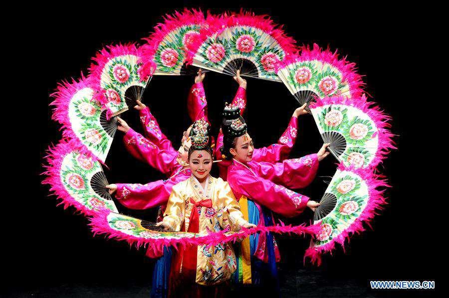 Traditional Korean folk dance show held in Kuwait