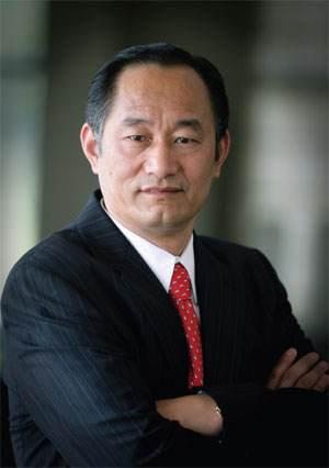 百家湖国际文化投资集团董事长严陆根