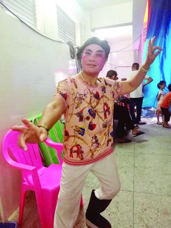 70多岁的陈光意主要饰演武生。