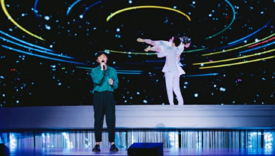李荣浩的歌单上新啦!爱很简朴歌词作词作曲的他竟然第一次唱!