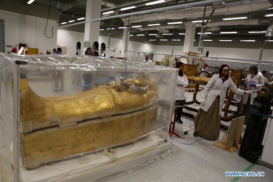 EGYPT-CAIRO-KING TUT-COFFIN-RESTORATION