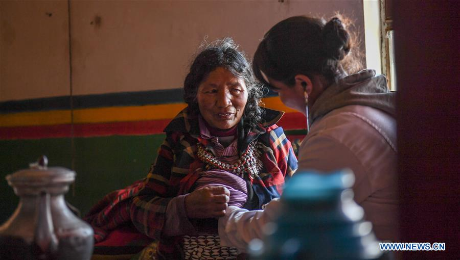 CHINA-TIBET-NGARI-VILLAGE DOCTOR (CN)