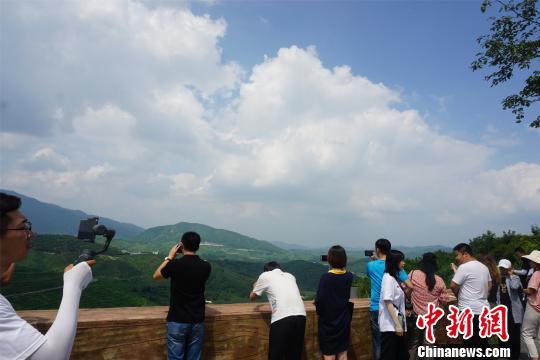 辽宁凤城大梨树村:以乡村度假旅游壮大绿色产业链发展