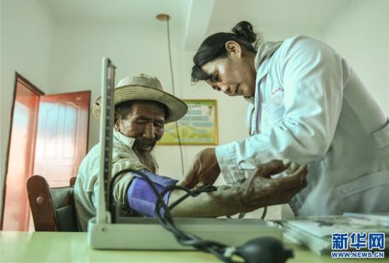 (社会)(2)嘎宗卓玛:多玛乡的健康守护天使