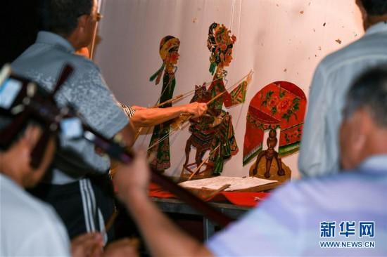 (文化)(7)巴林左旗皮影艺术:灯光戏影诉说千古事