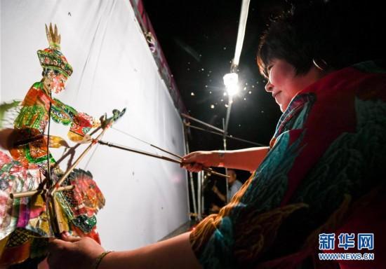 (文化)(6)巴林左旗皮影艺术:灯光戏影诉说千古事