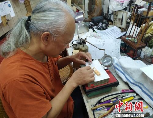 台湾微雕艺术家陈逢显:秦风汉韵浸润在泥土中