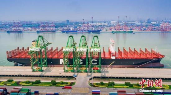 <b>海关总署:今年前7月中国外贸进出口总值同比增4.2%</b>